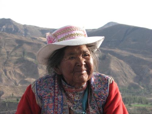 Minu lemmikmemm Colca orust. Elus palju vatti näinud, aga silmis ei kübetki kibestumist. Hoopis piiritu soojus ja elutarkus. Minu sügav kummardus!