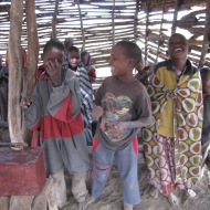 Tansaania: Maasai lapsed oma koolimajas Ngorongoro looduskaitsealal.
