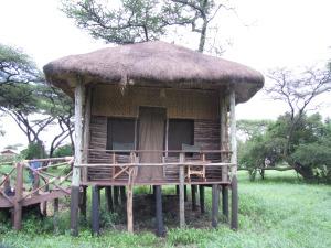 Minu Serengeti kodu. Väljast onn kanajalgadel, seest mõnus pesakene pehme voodi ja kuuma dušiga.