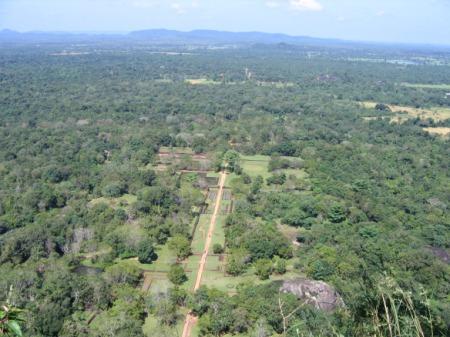 Vaade Sigiriya kalju otsast – kuningal oli oma valdustele ikka uhke pilt küll.