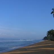 Sri Lanka: Wadduwa rand hommikupäikeses.