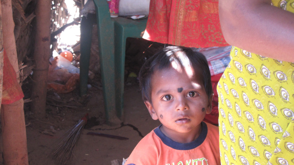 Suguvõsa, kuhu laps sünnib, vastab tema eelmise elu lõpus kujunenud karmilisele tulemusele. Tamil Nadu, India 2015.