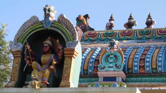 Hindud on väga usklikud ja usklik inimene teab karma seadust hästi. Kālī tempel Kolli mägedes, Tamil Nadu, India 2015.