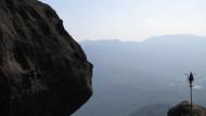 India: Tohutute kivimürakatega Šiva templis, mil vanuseks arvatavalt 2000–3000 aastat.